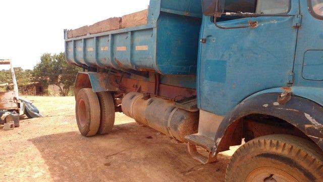 Vendo caminhão caçamba basculante 1113 turbinada - Foto 6