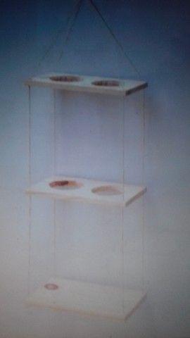 Prateleira suspensa para 4 vasos + 1 prateleira + 4 plantas naturais e brinde