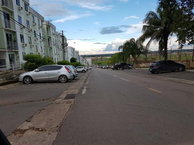 Vende-se apartamento no via parque