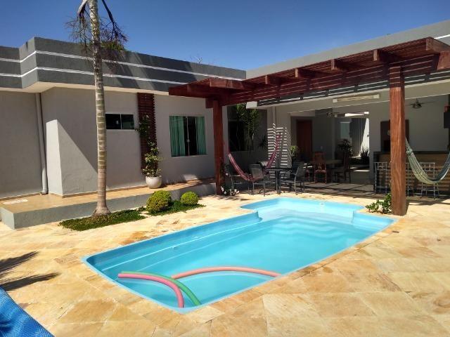 Allmeida vende casa de alto padrão no Condomínio Mansões Entre Lagos - Foto 2