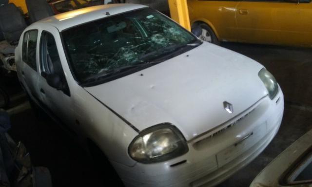 Sucata de Renault Clio Rn Sedan 1.0 16v 2001 - somente para peças - Foto 3