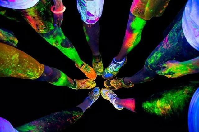 Tinta Líquida Corporal Fluorescente Neon - Brilha com luz negra - leia a descrição - Foto 4