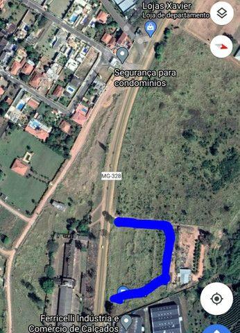 Aluga área frente para rodovia  - Foto 2