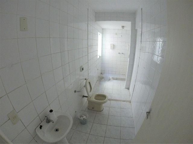 Alugo Casa Comercial em Jardim Camburi com 240m² e 4 vagas - R$ 8.000,00 - Foto 12