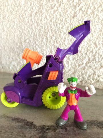 Triciclo Coringa DC comics Imaginext  - Foto 4