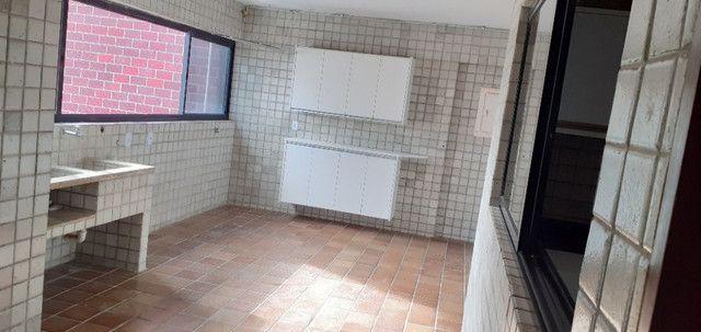 AL98 Apartamento 4 Suítes e Varandas, Varandão, 6 Wc, 3 Vagas, 405m², Beira Mar Boa Viagem - Foto 19
