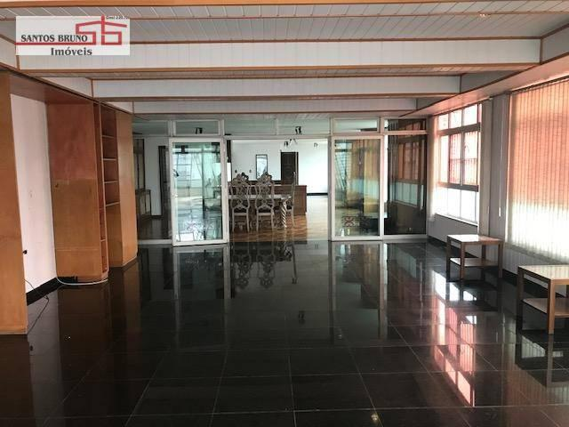 Cobertura 300 m² 4 dorm, sendo 1 empregada, 1 suíte, 3 salas, cozinha e 2 vagas para aluga
