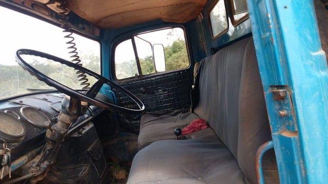 Vendo caminhão caçamba basculante 1113 turbinada - Foto 4