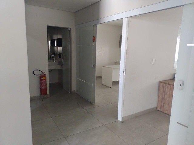 Alugo salas comerciais  com móveis e ar-condicionado. - Foto 5