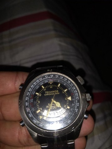 Troco um relógio técnico original em um celular bom