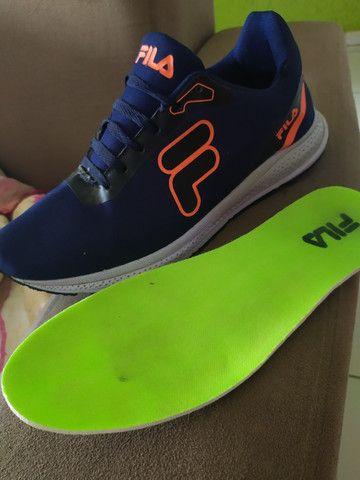 Tênis FILA azul escuro lindo tênis