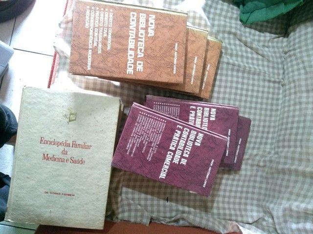 Dicionários e livros - Foto 3