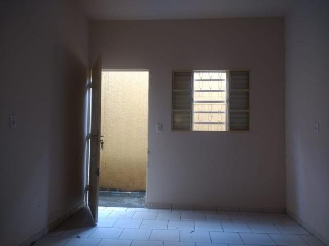Casa em modelo de condomínio no Balneário Meia Ponte, 2 quartos, garagem próximo a comérci - Foto 4