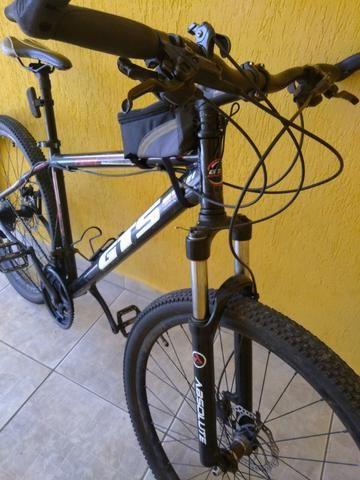 Bicicleta GTS aro 29 com freio a disco hidraulico