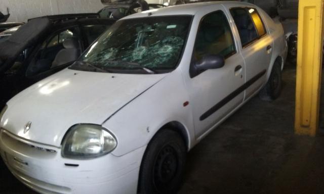 Sucata de Renault Clio Rn Sedan 1.0 16v 2001 - somente para peças - Foto 4