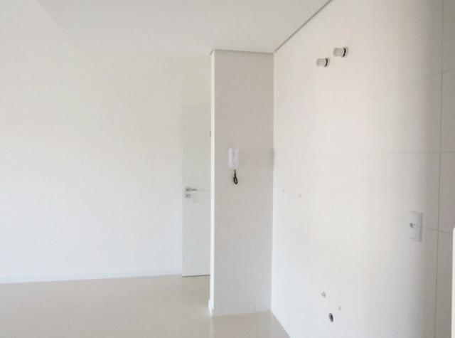 Apartamento na Av. Principal do Campeche - Financiável e com Rápido Acesso ao Mar - Foto 11
