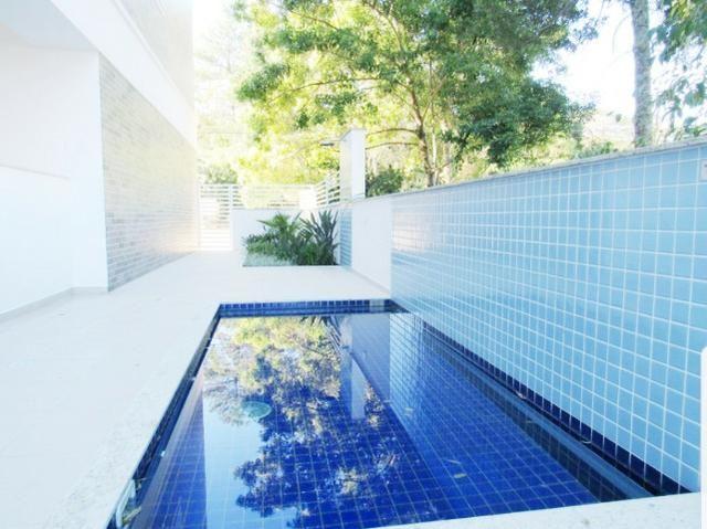 Apartamento na Av. Principal do Campeche - Financiável e com Rápido Acesso ao Mar