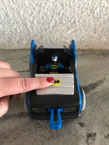 Batmóvel com batman DC comics Imaginext