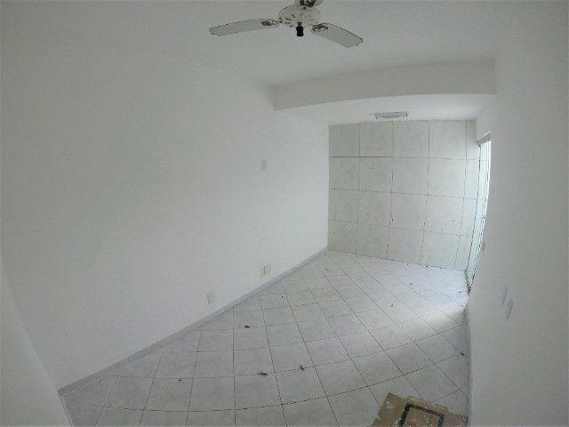 Alugo Casa Comercial em Jardim Camburi com 240m² e 4 vagas - R$ 8.000,00 - Foto 9