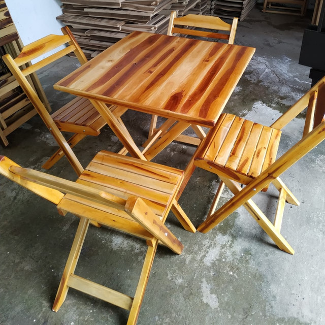 Mesas e cadeiras direto de fábrica