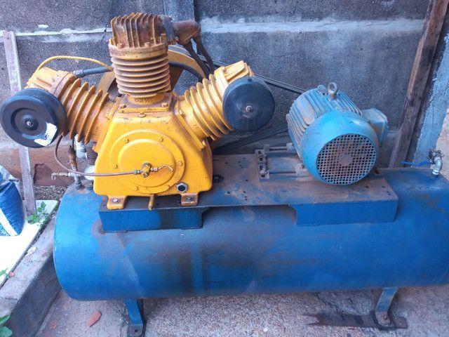 Compressor 60 pés 15 CV