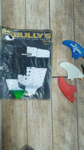 Surf deck bullys novo 50%  quilhas - Foto 2