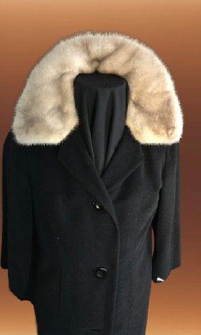 Casaco lã batida preta com gola de Vison (usado)
