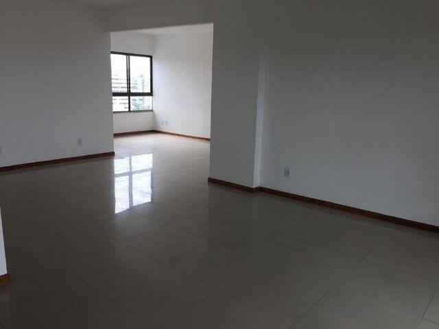Apartamento alto padrão com infraestrutura completa - Foto 10