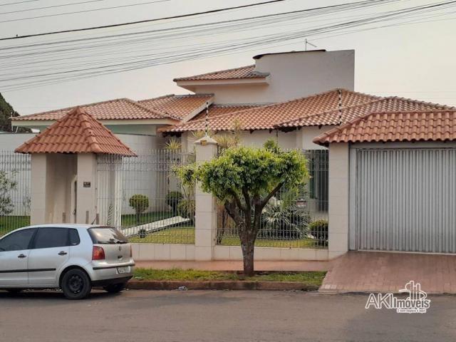 Casa com 3 dormitórios à venda, 397 m² por R$ 1.800.000,00 - Centro - Campo Mourão/PR