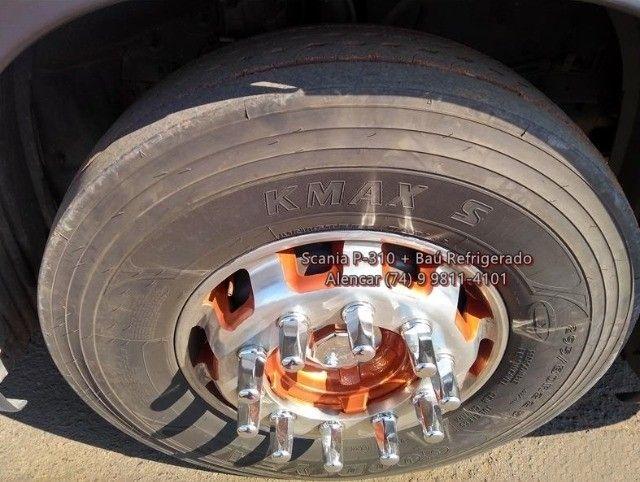 Scania P-310 bi-truck leito teto baixo, baú refrigerado com gancheiras e piso canaletado - Foto 15