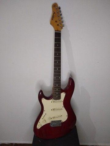 Guitarra Steinberg para tocar ou para decoração