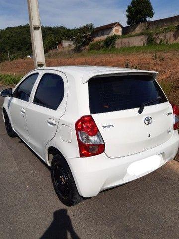 Toyota Etios hatch x 1.3 Flex 2014 - Foto 2