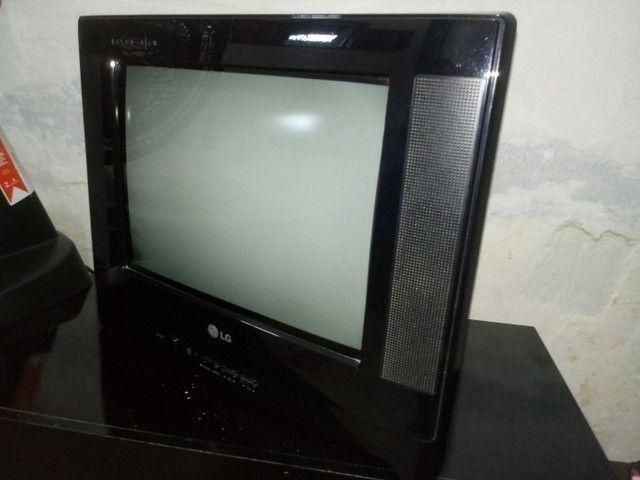 Tv 14  - Foto 3