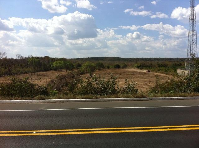 Terreno 6,5 hectares e meia