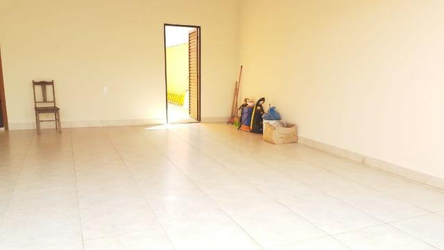 Casa com 03 quartos em Araxá - Foto 4