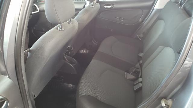 Peugeot 207 Sedan Xr 1.4 Flex 4P - Foto 12
