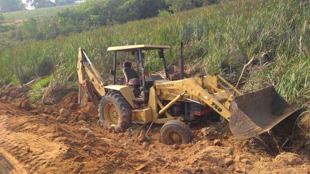 Retrô escavadeira maxiom 750