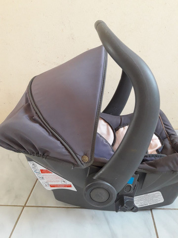 Vende-se bebê conforto semi novo.  - Foto 5
