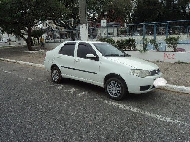Fiat siena hlx 2006 em perfeito estado financio mesmo com nome sujo - Foto 8