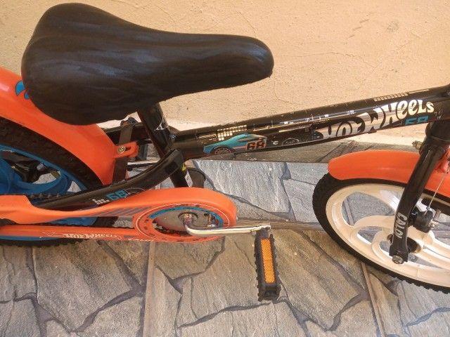 Bicicleta Caloi Hot Wheels aro 16 - Foto 3