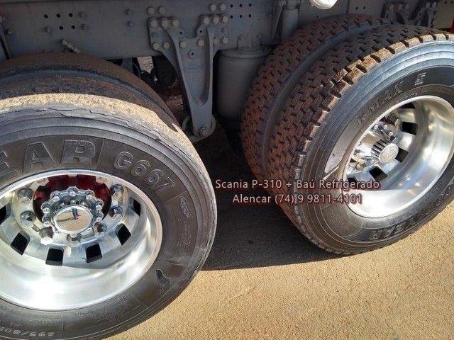 Scania P-310 bi-truck leito teto baixo, baú refrigerado com gancheiras e piso canaletado - Foto 16