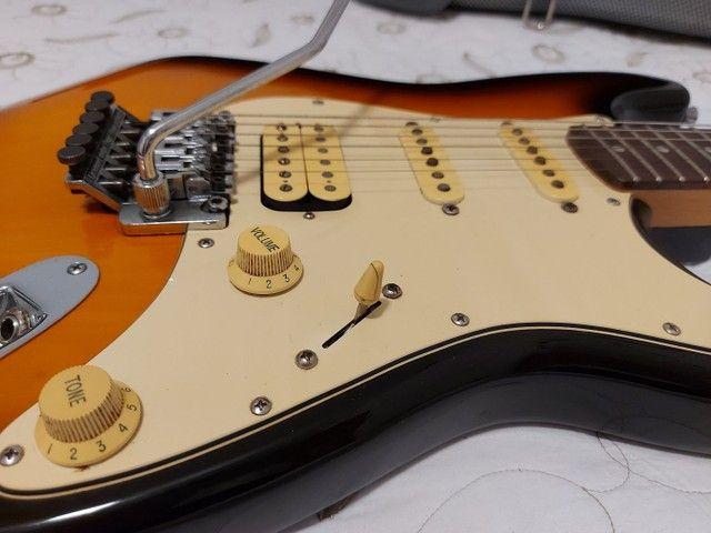 Guitarra Fender Squier Stratocaster Korea com Floyd Rose - Foto 3