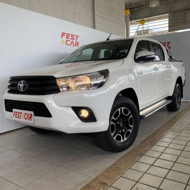 Toyota Hilux 2.8 Narrow 4x4 CD 2018 Diesel Manual (81) 9 9124.0560 Brenda
