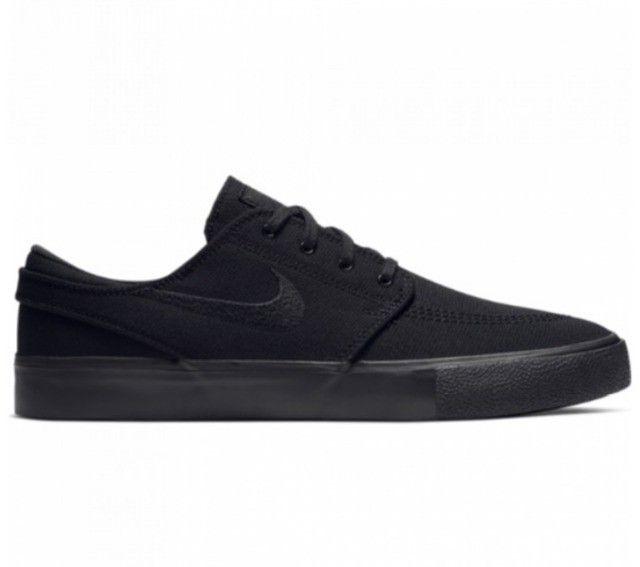Tenis Nike SB Zoom Janoski Canvas RM Skate preto tamanhos 38 e 39