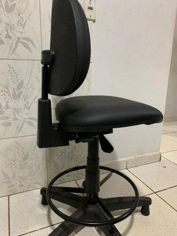 Cadeira de escritório com ou sem regulagem - Foto 6