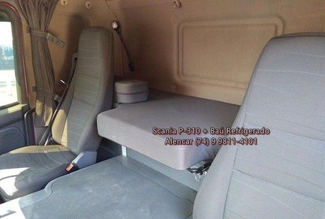 Scania P-310 bi-truck leito teto baixo, baú refrigerado com gancheiras e piso canaletado - Foto 12