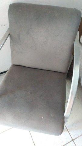 Sofá cinza 3 lugares + 2 poltronas - Foto 6