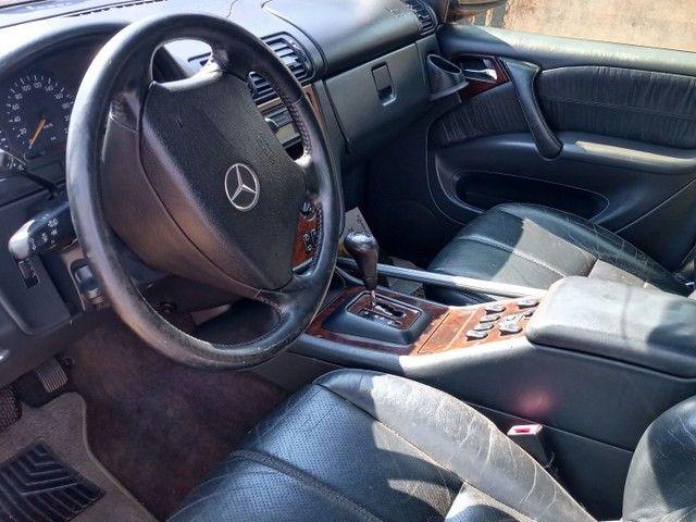 Mercedes Benz - Foto 3