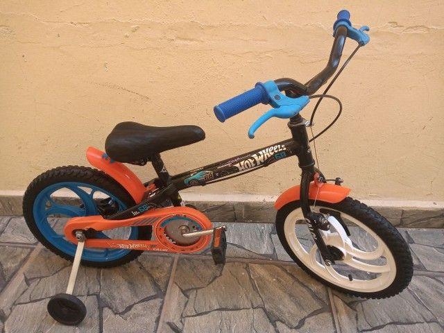 Bicicleta Caloi Hot Wheels aro 16 - Foto 4