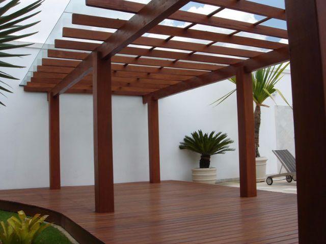 Deck, pergolados e arte em madeira